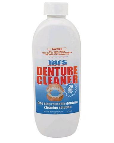 how to clean plaque off dentures
